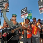 Tom Morello, of Rage Against The Machine, Performs in Solidarity with Striking Workers in L.A.