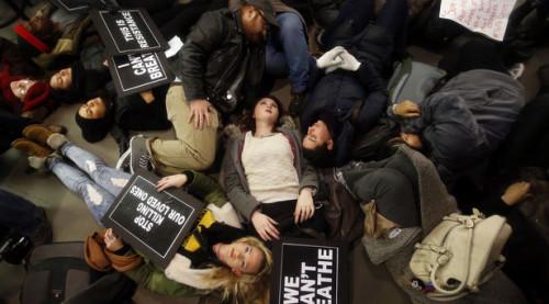 Protestors in New York stage a die-in