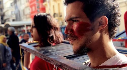 Members of Fanni Raghman Anni engage in a public performance against Tunisia's death penalty (Fanni Raghman Anni.)