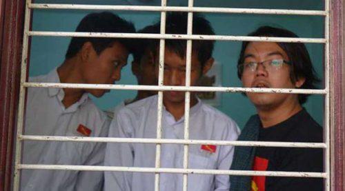 burmese-students
